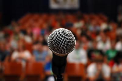 parler en public sans trac grâce à l'hypnose