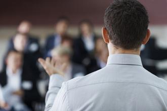 Prendre la parole en public avec l'hypnose